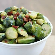 Need an easy side dish? This bacon brussels sprouts recipe is the way to go! They're fancy enough to serve as a side dish at a party but quick & easy enough to be added in with a weeknight meal. Dinner Recipes Easy Quick, Quick Weeknight Meals, Posole Verde Recipe, Avocado Banana Bread, Everyday Dishes, Chicken Meal Prep, Chicken Wing Recipes, Brussels Sprouts, Side Dishes Easy
