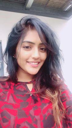 Beautiful Girl Photo, Beautiful Girl Indian, Beautiful Indian Actress, Beautiful Smile, Beautiful Pictures, Beautiful Women, Stylish Girls Photos, Stylish Girl Pic, Girl Pictures