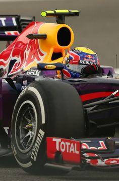 Mark webber in Sakhir Red Bull F1, Red Bull Racing, F1 Racing, Racing Team, F1 Wallpaper Hd, Sports Car Wallpaper, Car Wallpapers, Mark Webber, Grand Prix