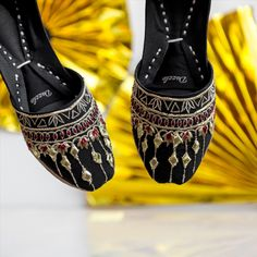 Naz: The Lustrous one! Wide Feet, Natural Leather, Snug Fit, Footwear, Pairs, Pure Products, Stylish, Heels, Black