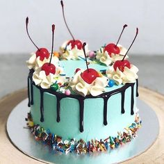 Cupcakes Ideas Awesome Desserts 33 Ideas For 2019 Pretty Cakes, Cute Cakes, Yummy Cakes, Food Cakes, Cupcake Cakes, Baking Cupcakes, Bolos Naked Cake, Star Cakes, Easy Cake Decorating