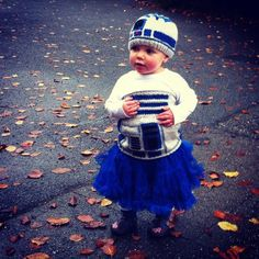 Um, mom? NEXT YEAR'S COSTUME FOR MIK. Knitted R2D2 @Kathy Goldenbogen