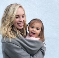 Candice Accola King and her cute doughter Caroline Forbes, Candice Accola, Vampire Diaries Cast, Vampire Diaries The Originals, The Cw, Pretty People, Beautiful People, Candice King, King Fashion