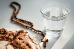 Cosa si può mangiare e bere durante il digiuno?