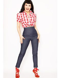 1000 images about pretty pin up on pinterest rockabilly clothing rockabilly and corset tops. Black Bedroom Furniture Sets. Home Design Ideas