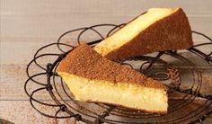 Hierdie lekker melktert vorm sommer sy eie kors en is boonop vinnig om te maak Cream Pie Recipes, Custard Recipes, Tart Recipes, Sweet Recipes, Baking Recipes, Yummy Recipes, Melktert Recipe, Korslose Melktert, Kos