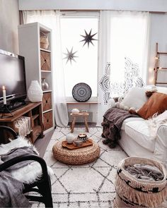 137 the chronicles of most popular small modern living room design ideas for 2019 page 32 Small Living Room Design, Boho Living Room, Interior Design Living Room, Living Room Designs, Living Room Decor, Design Room, Kitchen Interior, My New Room, Home Decor Inspiration