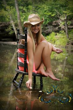 Country Girls Senior Photo. 2013     https://www.facebook.com/pages/Kims-Captured-Memories-By-Kim-James/170402319654267