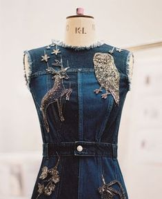 trendy ideas for embroidery denim dress embroidered jeans Couture Details, Fashion Details, Fashion Tips, Fashion Design, Jeans Recycling, Denim Fashion, Womens Fashion, 70s Fashion, Fashion Vintage