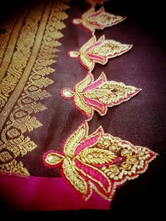 Heavy border work on saree border Saree Kuchu Designs, Kurti Neck Designs, Bridal Blouse Designs, Aari Embroidery, Embroidery Fashion, Embroidery Designs, Saree Tassels, Saree Border, Fashion Vocabulary