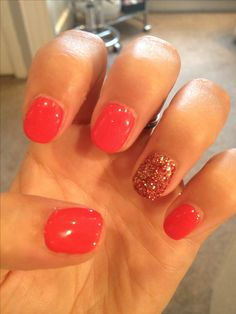 Red or coral shellac nails