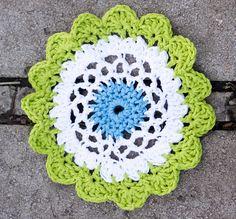 Moon Flower Dishcloth: free pattern