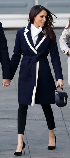6 Meghan Markle-Approved Fashion Brands for Your 2019 Work Wardrobe Estilo Meghan Markle, Meghan Markle Style, Meghan Markle Coat, Work Fashion, Fashion News, Fashion Brands, Curvy Fashion, Fall Fashion, Fashion Outfits