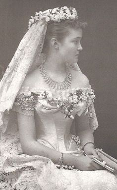 Princess Luise Margarete of Prussia, on her wedding day to Arthur, Duke of Connaught.