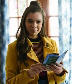 Pitch Perfect 3 - Publicity still of Hailee Steinfeld. The image measures 3600 * 4196 pixels and was added on 16 December Pitch Perfect Outfits, Hailee Steinfeld Pitch Perfect, Watch Pitch Perfect, Hailey Steinfeld, Laura Vandervoort, Blush, New Clip, Elsa Pataky, Jennifer Morrison