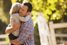 Στενοχωριέστε όταν φωνάζετε και τιμωρείτε το παιδί; Υπάρχουν εναλλακτικοί τρόποι για να το πειθαρχείτε, δείχνοντας την αγάπη και κατανόηση που του αξίζει.