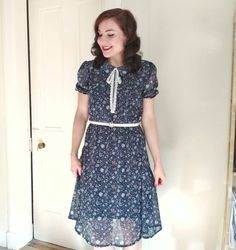 How lovely is this Bonnie Dress? Sew Over It, Dress Sewing, Blouse Dress, Sewing Projects, Sewing Patterns, Quilting, Short Sleeve Dresses, Goals, Inspiration