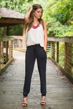 Black Joggers Outfit Picture kiss on the chic jogger pants black black pants jogger Black Joggers Outfit. Here is Black Joggers Outfit Picture for you. Black Joggers Outfit pull on pants in 2019 cute outfits with leggings sporty. Jogger Pants Outfit Dressy, Black Joggers Outfit, Black Jogger Pants, Drawstring Pants Outfit, Fashion Mode, Look Fashion, Fashion Outfits, Sporty Fashion, Paris Fashion