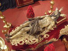 Hoy se inicia el Quinario al Santo Entierro de nuestro Señor. En la Iglesia de San Gregorio a las 20:30. Good Friday, Religious Art, Catholic, Tv, Twitter, Statues, Colonial, Beautiful Images, Incense