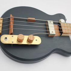 The Owl Bass for @lucasdietrich . #schorrguitars #handmade #ebass #bass #gitarrenbauer #guitarsofinstagram #nouvellevintage #madeinberlin #customguitars #custombass #shortscale #chalkpaint #mapleneck #experimentalluthiery