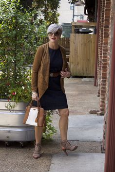 The sunday brief 5 classic spring jackets style at a certain age. Over 50 Womens Fashion, Fashion Over 40, 50 Fashion, Denim Fashion, Fashion Outfits, Fashion Tips, Ladies Fashion, Fall Fashion Trends, Autumn Fashion