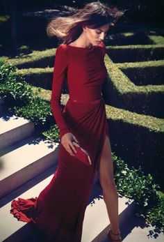 Stunning red dress.    Domenica Anapliotis via Domenica Anapliotis onto #Fashion-ivabellini