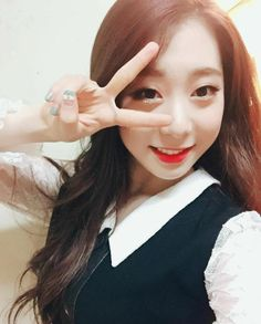 """Yeonjung's Update on WJSN Account """"wjsn_cosmic Today is our last stage, So was it? We will come back with even better performances. Kpop Girl Groups, Korean Girl Groups, Kpop Girls, Yuehua Entertainment, Starship Entertainment, Jung Chaeyeon, Xuan Yi, Cheng Xiao, Cosmic Girls"""