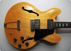 Beautiful Gibson ES340 TDN from 1969 in excellent condition.