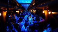 Cahaya Layar Ponsel Bikin Fotografer Hongkong Ini Menang Lomba Foto