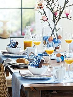 Setting the Table: Easter Spring Table