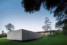 Современный дом от Марсио Когана и Studio mk27