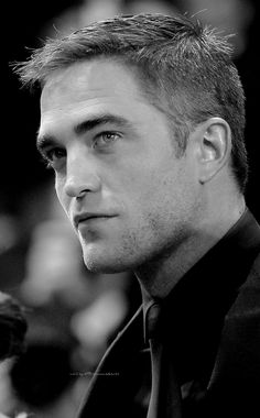 Pinterest: shaynoyman. I miss seeing him looking like this. Clean cut and shaved. Doesn't look so haggard and lazy.
