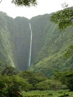 """Waterfall @ Waipio Valley - """"The Big Island"""" of Hawaï"""