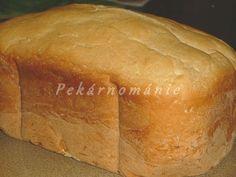 Suroviny dáme do pekárny v pořadí tekuté, sypké a zapneme program Základní (Klasik).Po druhém hlazení těsta (před třetím kynutím)…