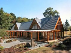 Cottage Home Design Ideas With Side View