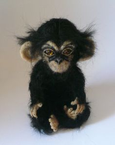 Needlefelted animals/ Needlefelted monkey/ by ElinasArtShop Needle Felted Animals, Felt Animals, Needle Felting, Wonder Zoo, Sculpture Techniques, Little Monkeys, Animal Sculptures, Soft Sculpture, Sheep Wool