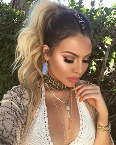 Festival makeup look on @jadeywadey180 featuring Brow Stylist Definer and Infallible Paints eyeliner.