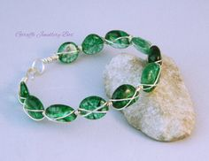Green Crackled Quartz  Wirework Bracelet  by GiraffeJewelleryBox