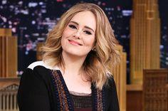 Tijdens haar liveshow op 29 februari hielp Adele een van haar fans wel op een hele bijzondere manier.