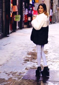 ImageFind images and videos about fashion, martina stoessel and tini stoessel on We Heart It - the app to get lost in what you love. Violetta Disney, Violetta Live, Disney Channel, Chloe Grace Moretz, Elle Fanning, Lily Collins, Beautiful Celebrities, Concert, Fur Coat