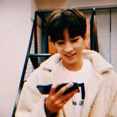 svt bf edits (@svtbfedits) | Twitter Seventeen Wonwoo, Seventeen Debut, Woozi, Jeonghan, Vernon Chwe, Win My Heart, Meanie, Pledis 17, Me Too Meme