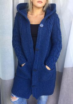 Cárdigan largo Taupe para las mujeres abrigo de cardigan con | Etsy Cardigan Outfits, Hooded Cardigan, Cardigan Pattern, Jacket Pattern, Sweater Cardigan, Brown Outfit, Vogue Knitting, Knitted Coat, Cashmere Wool