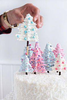 DIY Winter Wonderland Cake | Sprinkles for Breakfast #cakedecorating