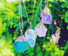 ✨restock!! all our raw crystal stone necklaces have been restockedwhich is your fav~ green fluorite, clear quartz, rose quartz, or amethyst? www.vivamacity.com