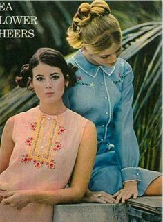 1969 April Seventeen Colleen Corby and Mona Grant (LOVE the pink shirt! Seventies Fashion, 1960s Fashion, Teen Fashion, Vintage Fashion, 1960s Dresses, 1960s Outfits, Vintage Outfits, Colleen Corby, 20th Century Fashion