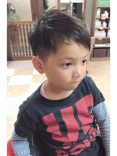キッズヘア☆イケメンボーイ☆ツーブロ/Amour Maya【アムール マヤ】をご紹介。2018年春の最新ヘアスタイルを300万点以上掲載!ミディアム、ショート、ボブなど豊富な条件でヘアスタイル・髪型・アレンジをチェック。 Kid Boy Haircuts, Kids Hairstyles Boys, Little Boy Hairstyles, Kids Cuts, Hair Arrange, Kids Fashion Boy, Short Hair Styles, Hair Cuts, Hair Beauty