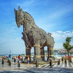 تعرف الى أكبر حصان خشبي في التاريخ - العقل السليم