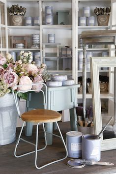 Are you wanting that Duck Egg Blue palette in your home.  Our 'Duck' chalk paint is perfect!  Ellie B&Txx