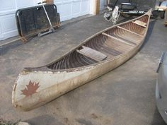 Pre-fire (1921) Era Chestnut Guide canoe ... very rare and very similar to Tom Thomson's canoe