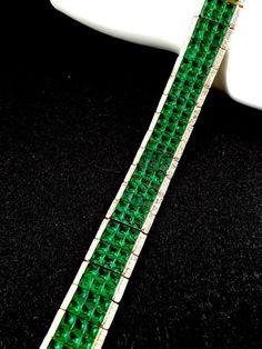 1950 CROWN TRIFARI INVISIBLY SET EMERALD CRYSTAL RHINESTONE ART DECO BRACELET